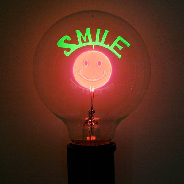 Smiley Face  G25 Medium Screw Base & Damar 55974 - Designer Filament